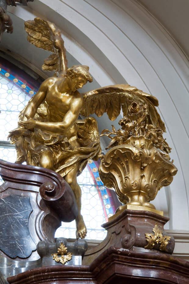 Church_of_the_Infant_Jesus_of_Prague_-_8144 (466x700, 212Kb)