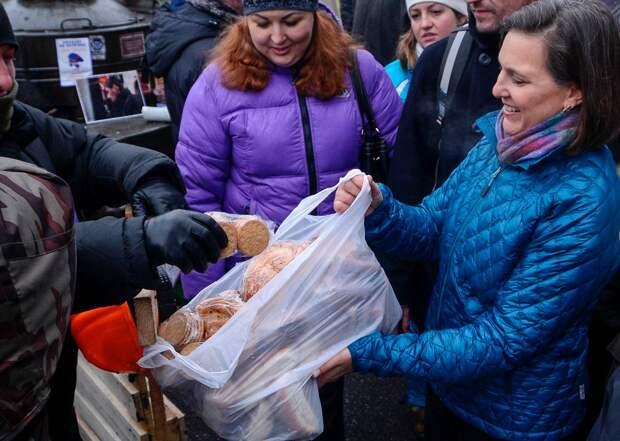 Посольство России не раздавало на улицах Вашингтона тульские пряники