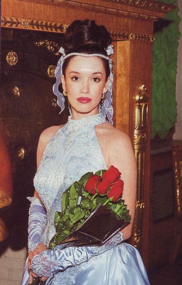 Актрисы и цветы. Анна Самохина