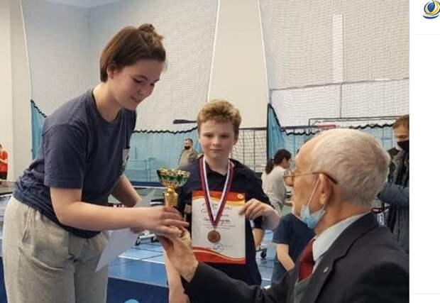 Спортсменки из Митина победили в городском турнире по настольному теннису