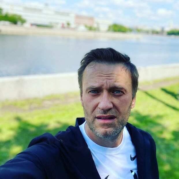 Навальный опять дает интервью
