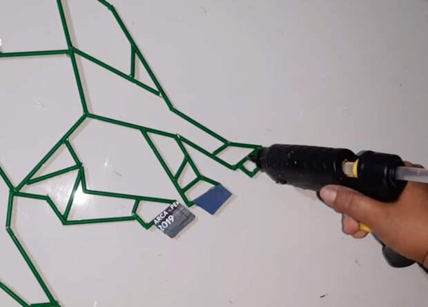 Оригинальный способ использования трубочек для крутого декора
