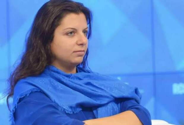 Симоньян посоветовала Барсукову не смешить кур и молчать в платочек