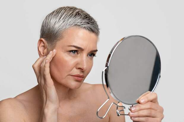 Солнце, сахар, стресс и сериалы: 6 факторов, которые резко ускоряют старение