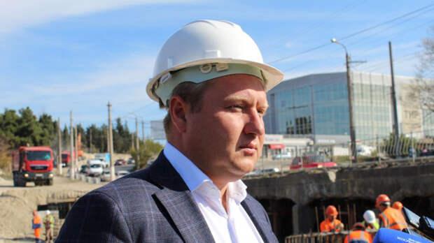 Аксенов принял отставку министра транспорта Крыма Исакова
