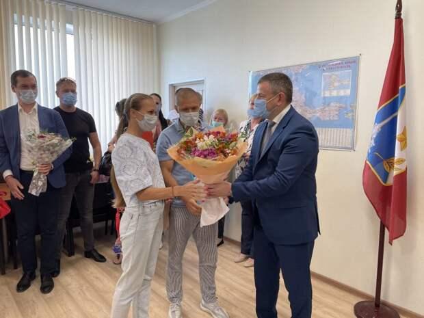 В Севастополе 15 молодых семей получили сертификаты на приобретение жилья