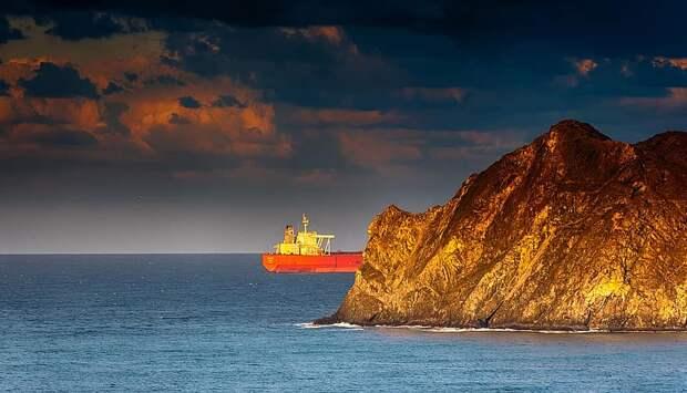 На ССК «Звезда» запустили главный двигатель танкера типа «Афрамакс»