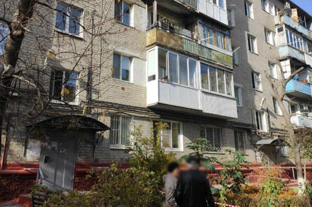 Врачи рассказали о состоянии выброшенных из окна в Саратове девочек