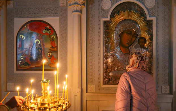 Москвичи просят икону о работе и здоровье
