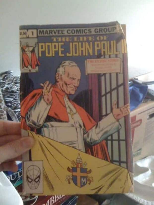 Комикс о папе римском находки, неожиданности, чердак
