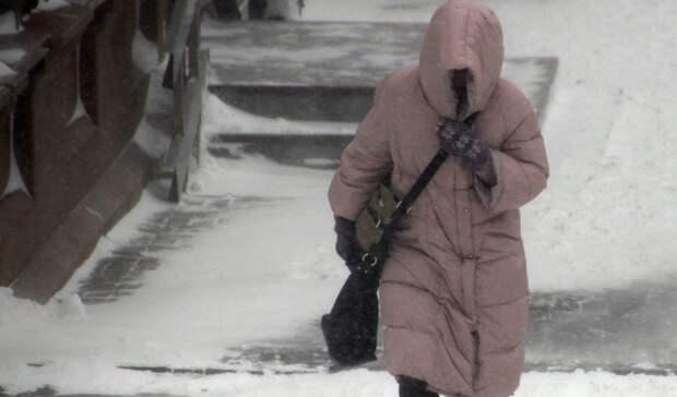 Штормовое предупреждение продлили в Свердловской области