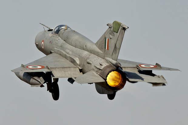 Индия подтвердила потерю МиГ-21 в бою с пакистанской авиацией
