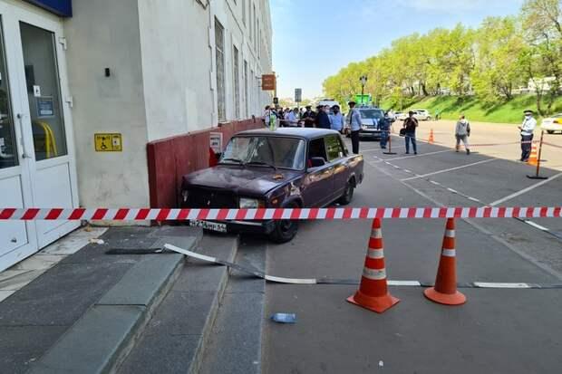 В Сети появилось видео с места наезда на пешеходов в Москве