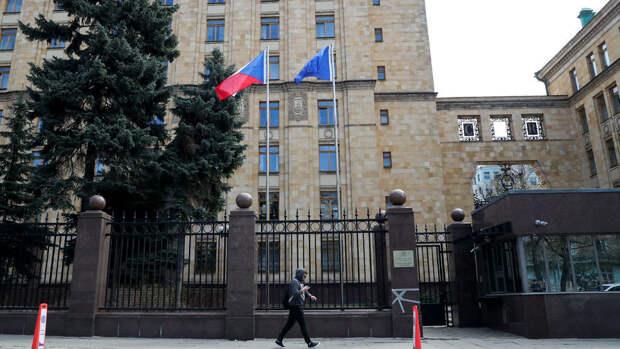 Москва дала 20 чешским дипломатам 24 часа на отъезд из России