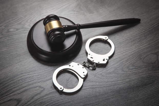 Крымчанка получила 18 лет колонии за изнасилование своей дочери