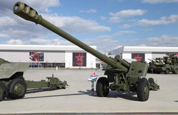 Артиллеристы Крыма получили на вооружение гаубицы МСТА–Б