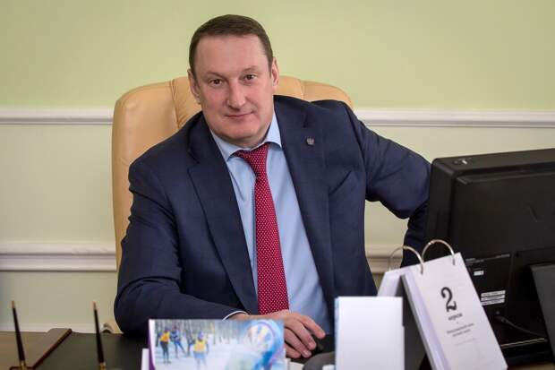 Министр спорта стал самым богатым чиновником правительства Омской области