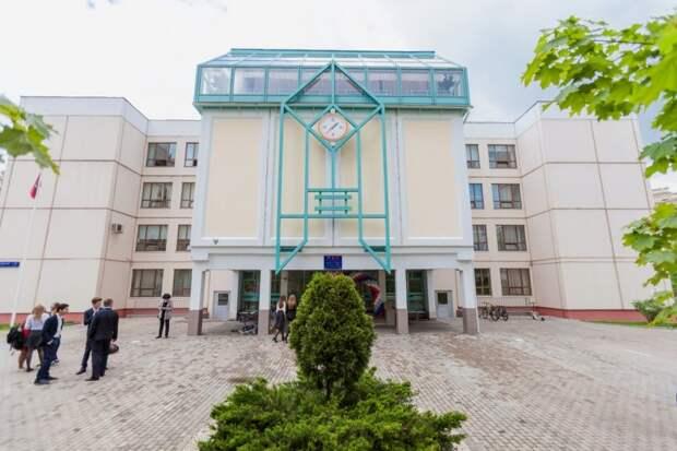 Директор школы права: молиться о России в 14.00 нормально