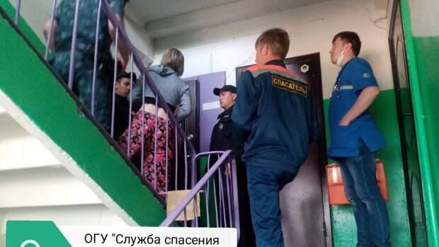 Неадекватная гражданка: жительница Пугачева закрылась в квартире и включила газ