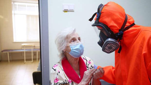 Попова: половина россиян заразилась коронавирусом от родственников
