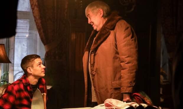 Юрий Стоянов и Артём Ткаченко пьют кровь и творят бесчинства в тизере сериала «Вампиры средней полосы»