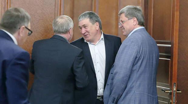 «Семян нет. Кормов нет»: сельхозпроизводители Новосибирской области пожаловались депутатам на тяжёлое положение