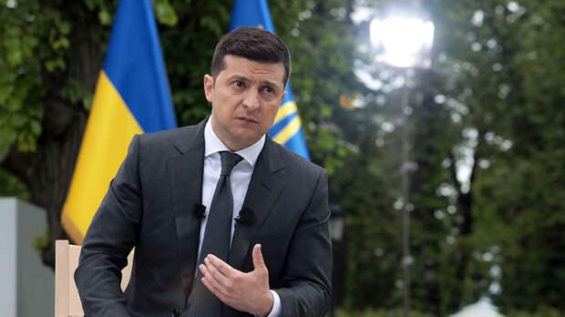 «Похоже на провокацию»: почему Киев регулярно анонсирует возможные переговоры лидеров Украины и России