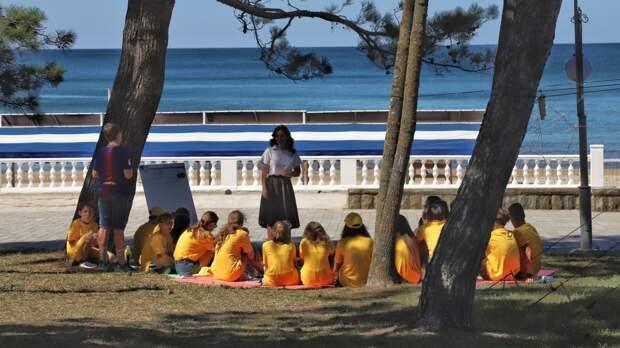 Глава Минпросвещения РФ потребовал от регионов проверить безопасность детских лагерей