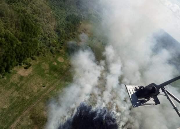Вертолеты Московского авиационного центра помогли потушить более 80 крупных пожаров