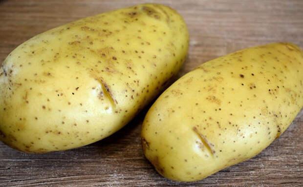 Берем 2 картофелины и за 15 минут делаем полноценное блюдо, к которому уже не нужно мясо