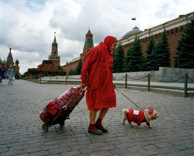 Москва времён президентских выборов 1996 года.