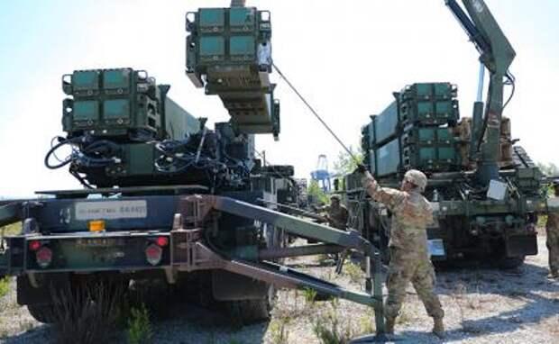 На фото: американский зенитный ракетный комплекс «Пэтриот»