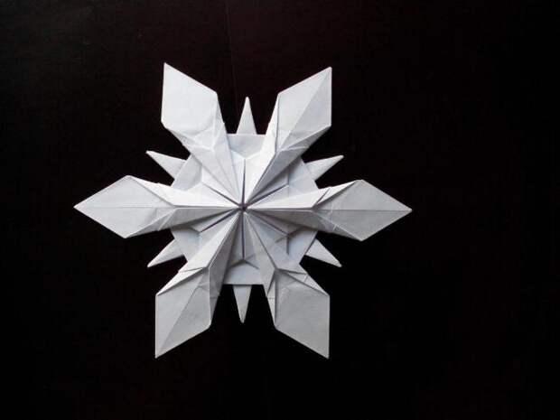 Объемные снежинки из бумаги своими руками 2020 на Новый год: интересные идеи, пошаговые инструкции (80 фото)