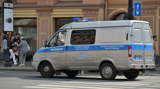 Работавшую в полицию петербурженку нашли мертвой в квартире