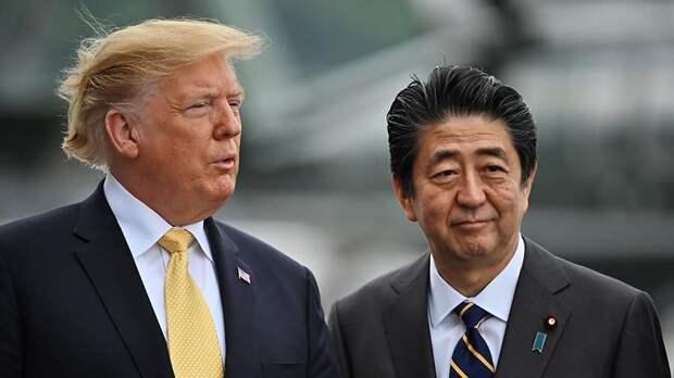 Трамп в разговоре с Абэ назвал его величайшим премьером Японии