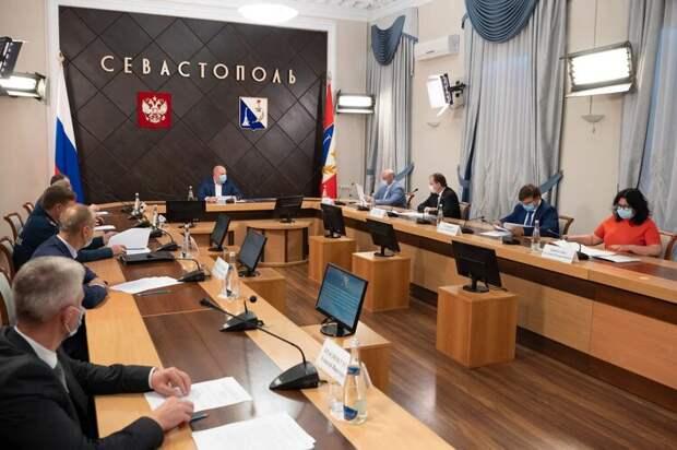 В Севастополе запретили работу ресторанов ночью