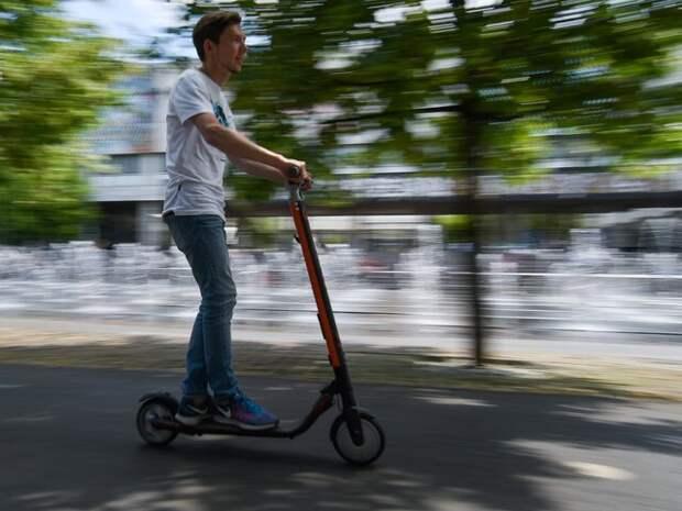 Автоэксперт прокомментировал идею ограничить скорость электросамокатов