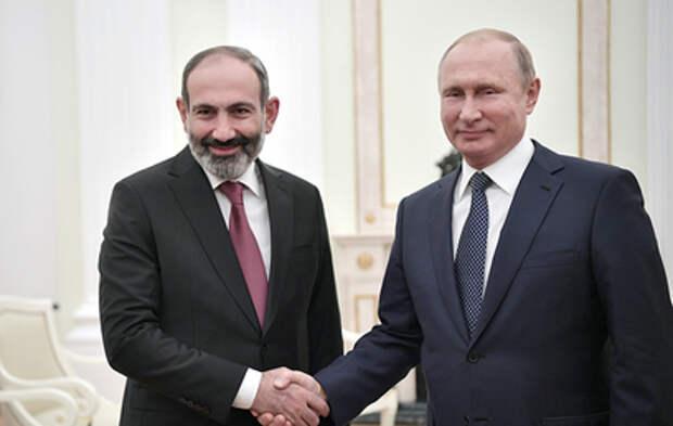 Путин обсудил с Пашиняном ситуацию на границе Армении и Азербайджана