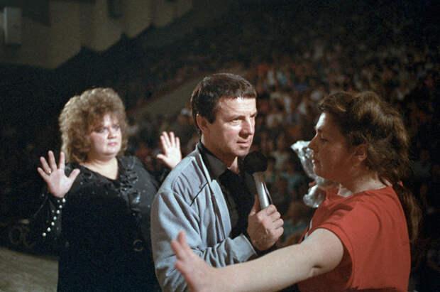 Лечебный сеанс Анатолия Кашпировского. 1989 г.