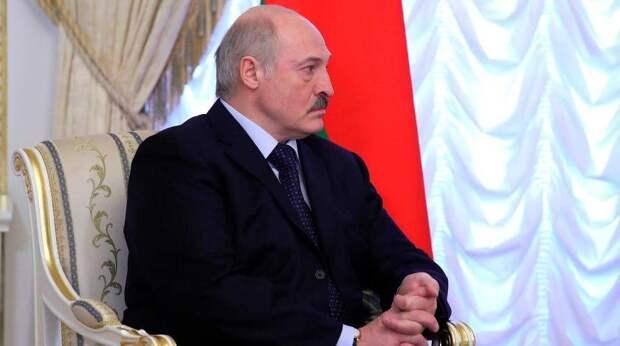 Лукашенко удалось увернуться от санкций ЕС - причину объяснил Макрон