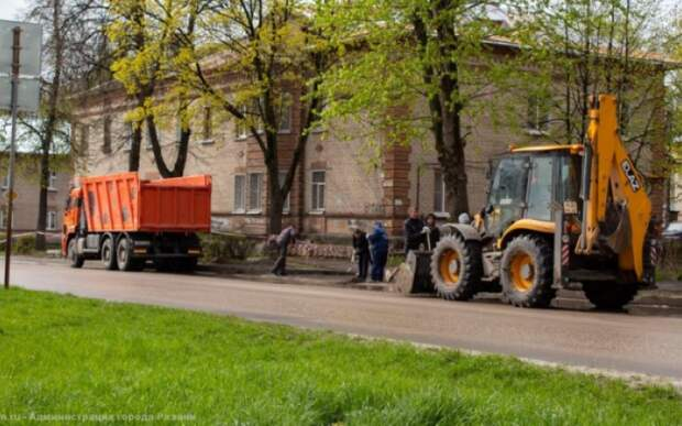 В Рязани прошёл субботник на Славянском проспекте