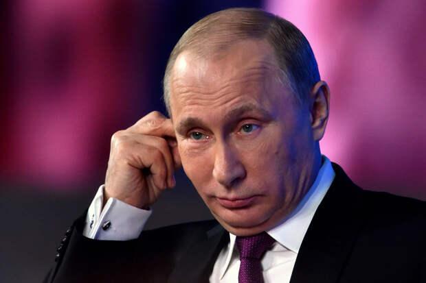 «Думаю, очень трудно». Путин ответил на вопрос о том, как прожить в России на ₽10 тыс.