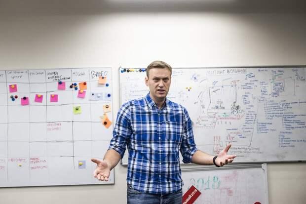 Запад снова вступился за Навального