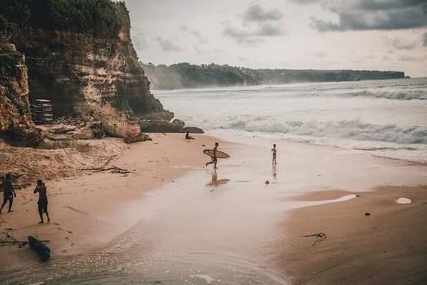 Власти Индонезии заявили, что Бали могу открыть для туристов уже в июле