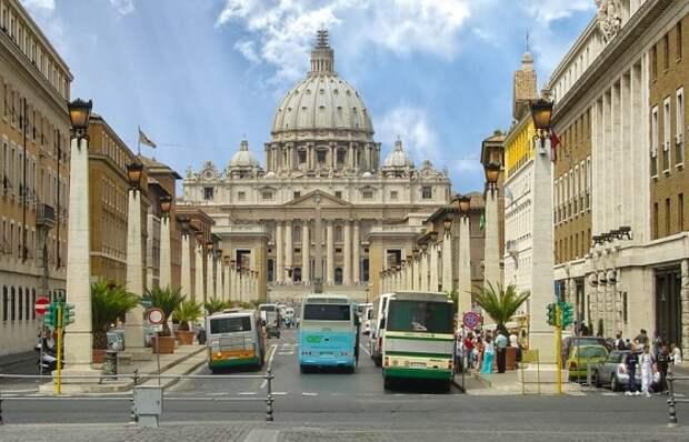 http://www.blogoitaliano.com/wp-content/uploads/2018/04/Roman-city-buses.jpg