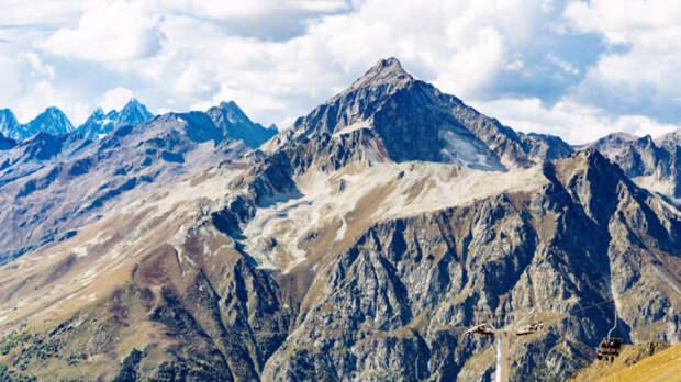Трагедия в горах Карачаево-Черкесии: стали известны подробности гибели туристок