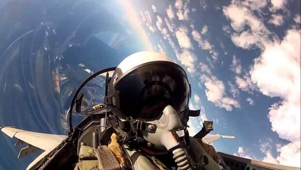 ВМС США закатили очередную истерику: Су-35 их летуна «подрезал»