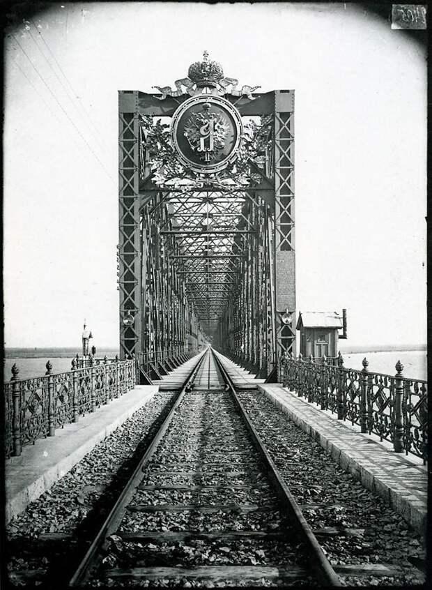 Александровский мост через Волгу в Сызрани. 1894 г. История в фотографиях, россия