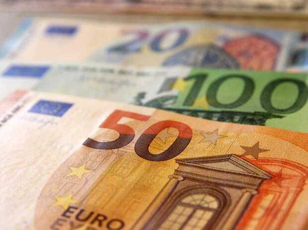 Почему при средней зарплате в 1000 евро жители рвутся подальше от дома