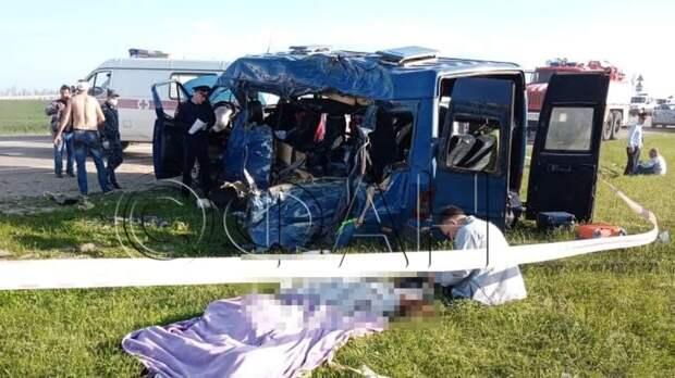 Минздрав: четыре девочки находятся в тяжелом состоянии после ДТП с автобусом на Ставрополье